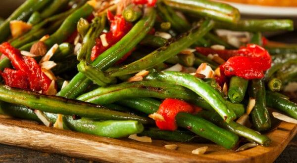 pan fried green beans almondine