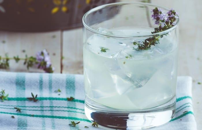 gin thyme lemonade