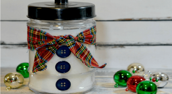 Gift Idea: DIY Snowman Candle