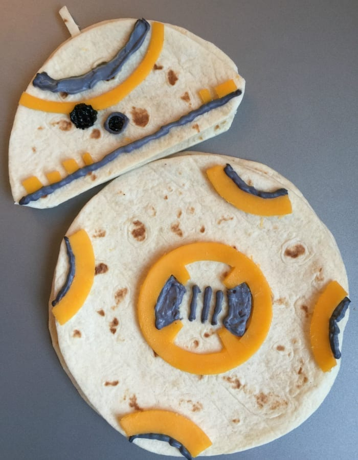 Star Wars BB-8 Droid Quesadillas | http://homemaderecipes.com/entertaining/parties-gatherings/11-star-wars-food-ideas/