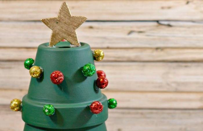 DIY Terracotta Christmas Tree