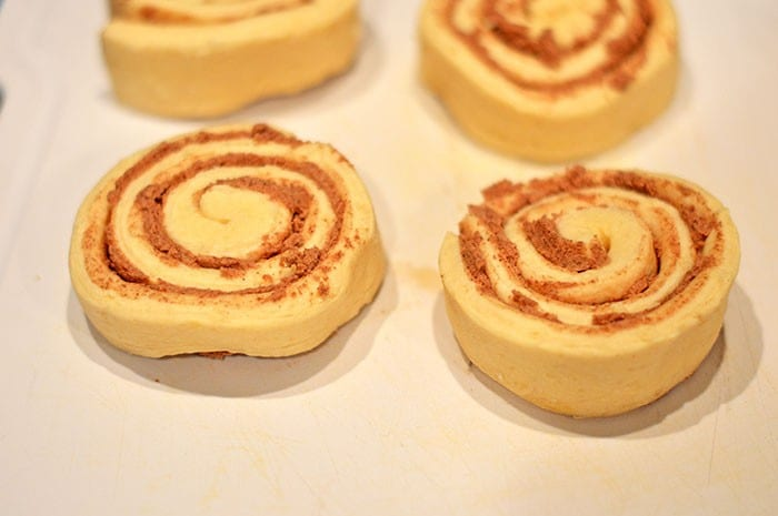 heart cinnamon rolls step1