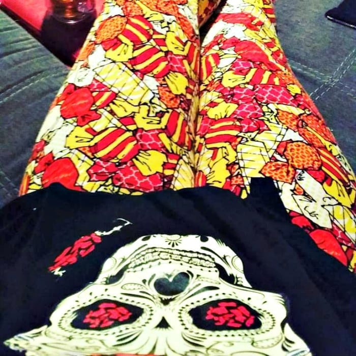 I don't care if I look like a walking McDonald's ad - these leggings ROCK!