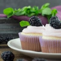 Delightful Blackberry Cupcakes