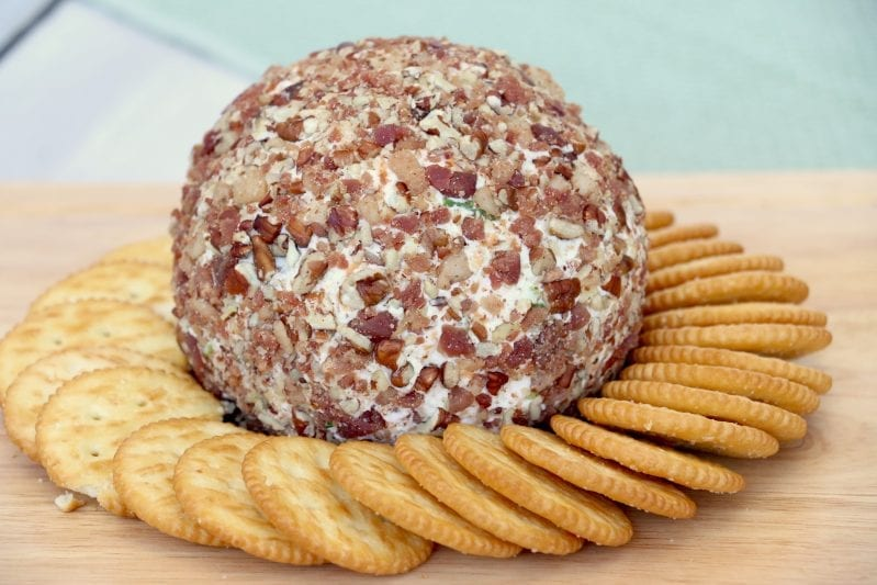 I needed a seriously good appetizer the other day for a party. This Mouthwateringly Good Bacon Blue Cheese Ball more than fit the bill. #bacon #cheeseball #cheeseballrecipe #appetizer
