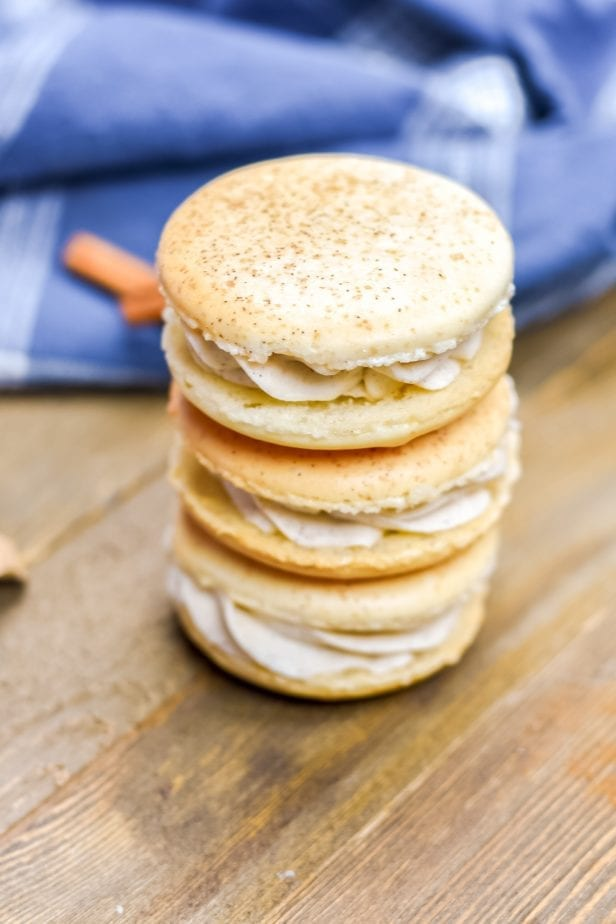 Holy Guacamole, Batman...These Churro Macarons are Absolutely Amazing. I can't tell you how amazing these Churro French Macaron Cookies are. Seriously. #macaron #frenchmacaron #macaroncookies #easymacaroncookies