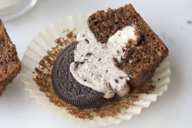I have a little secret: I love OREO cookies. The cream is what gets me. And, to further that love, I have found the Most Creamy Cream-Filled OREO Cupcakes--and I can't get enough. They're so addictive. #OREO #OREOCookies #OREOCupcakes