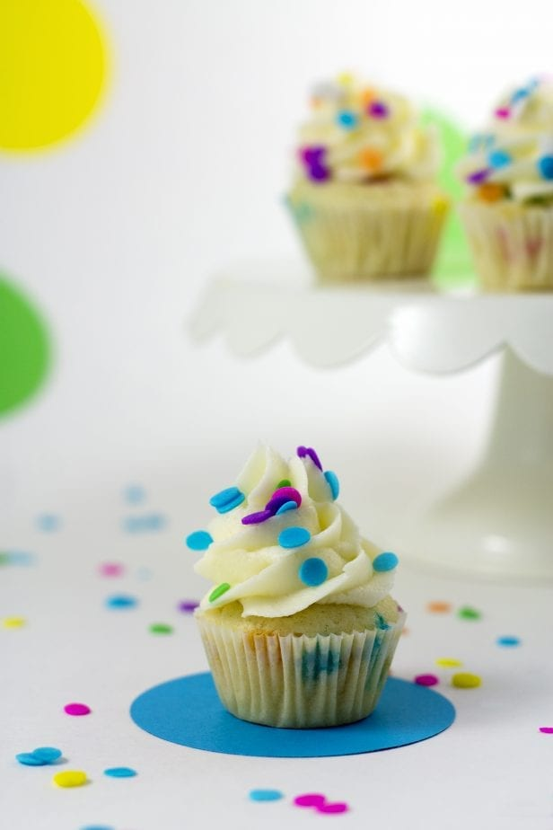 On the hunt for the perfect cupcake and it brought me to these Blow-Your-Mind Ridiculously Adorable Mini Funfetti Cupcakes. They're simple, adorable and so good, you'll just be beside yourself. #cupcake #minicupcakes #funfetticupcakes #minifunfetticupcakes