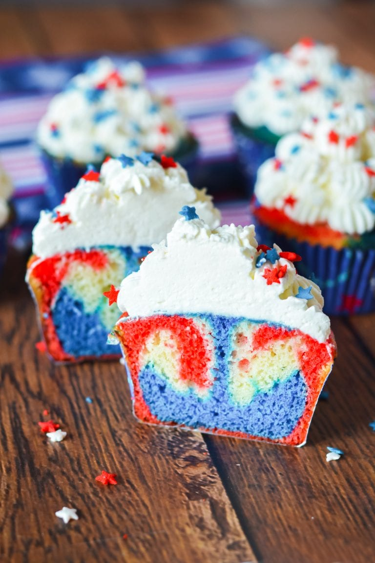 Patriotic Cupcakes for Memorial Day Dessert